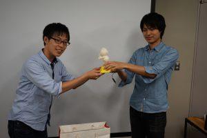 優勝、学生賞、教員賞、秘書賞の4冠獲得の倉橋くん。