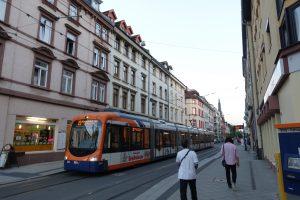ハイデルベルク市内には路面電車が走っていました