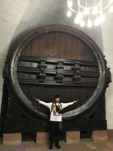 一番大きなワイン樽はこれより大きい