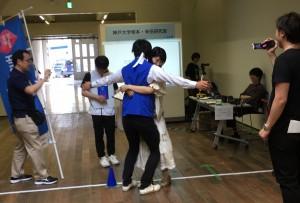 "Panasonicの""Hug Battle""に協力する袴田さん"