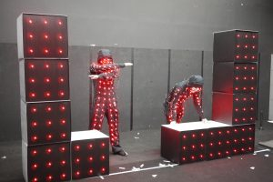 LEDスーツとLED箱