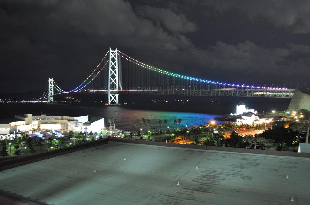 ホテルから見えた明石海峡大橋